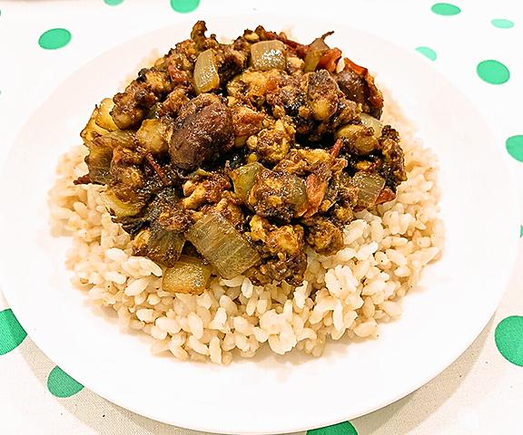 エッセンシア酵素ドリンクレシピ-大豆と鶏ひき肉のキーマカレー